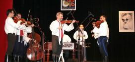 Současná cimbálová muzika Břeclavanu s primášem Františkem Blažkem v roce 2009. Foto: Karel Čepera