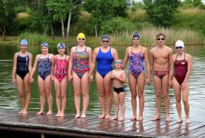Hustopečští plavci z Fakultního klubu nezaháleli ani v létě